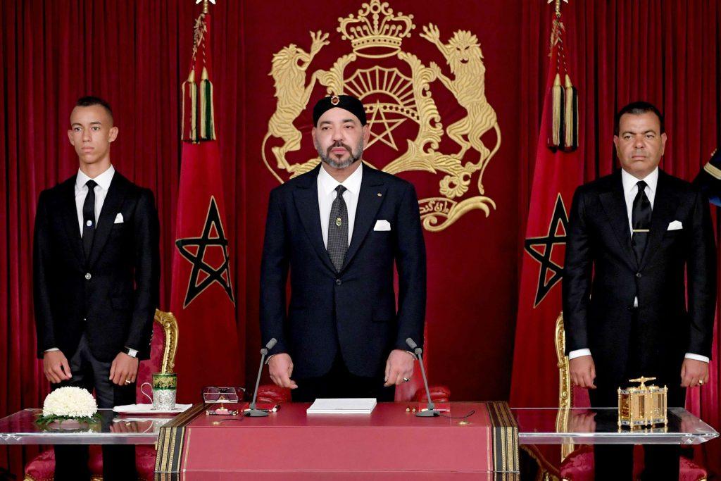 Mohammed VI, le prince Moulay Rachid et le prince Moulay Hassan, lors du discours du Trône, dimanche 29 juillet 2018.