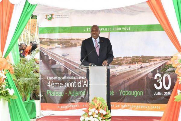 Le Premier ministre Amadou Gon Coulibaly, lors du lancement des travaux du quatrième pont d'Abidjan, le 30 juillet 2018.