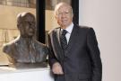 Le président Béji Caïd Essebsi pose à côté du buste de Habib Bourguiba, père de la Tunisie moderne (image d'illustration).