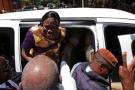 Simone Gbagbo à son arrivée à sa résidence, après sa remise en liberté, mercredi 8 août 2018.