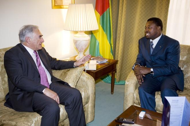 http://www.jeuneafrique.com/mag/614538/politique/afrique-france-dsk-fait-cavalier-seul-pour-decrocher-des-contrats-de-conseil/?utm_source=jeuneafrique&utm_medium=flux-rss&utm_campaign=flux-rss-jeune-afrique-15-05-2018