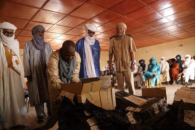 Présidentielle au Mali : les ex-rebelles de la CMA récusent les accusations de bourrage d'urnes