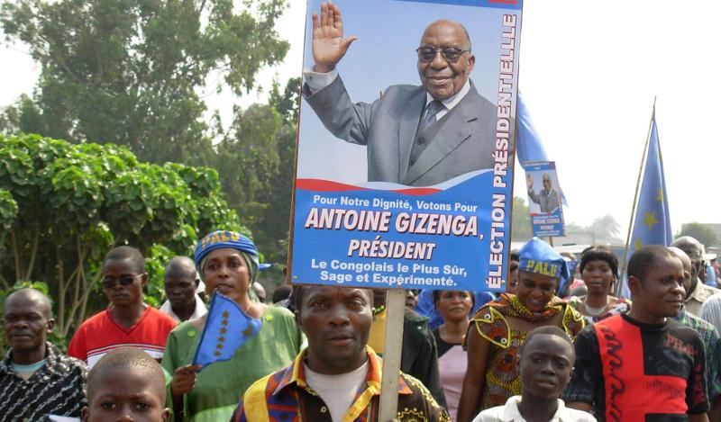 Des partisans d'Antoine Gizenga, lors de la campagne électorale de 2006, à Kinshasa.