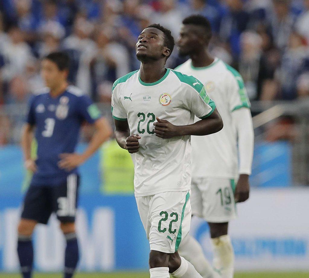 Le Sénégalais Moussa Wague, à droite, célèbre le deuxième but de son équipe lors du match du groupe H entre le Japon et le Sénégal à la Coupe du monde de football 2018 en Russie, le 24 juin 2018.