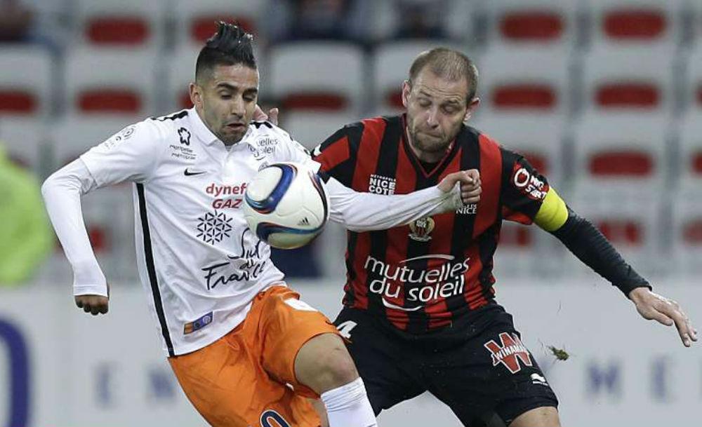 Ryad Boudebouz (g.), sous le maillot de Montpellier lors d'un match contre Nice en décembre 2015.