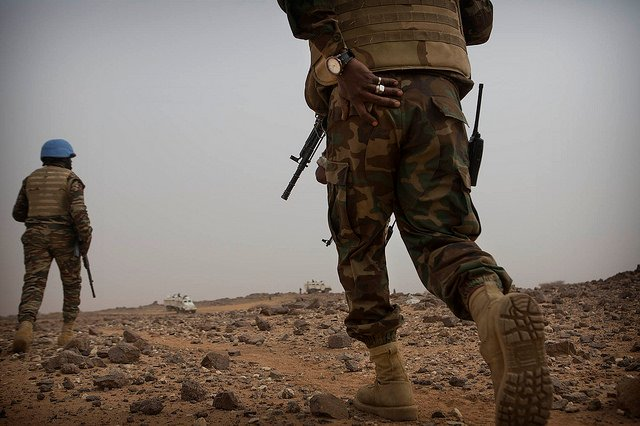 Des soldats tchadiens de la Minusma, près de Kidal le 17 décembre 2017, surveillent les mouvements du Gatia et de la CMA.