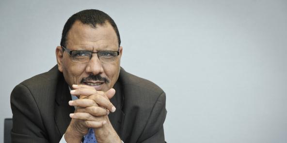 Le ministre de l'Intérieur nigérien Mohamed Bazoum a quitté le gouvernement le 29 juin 2020.