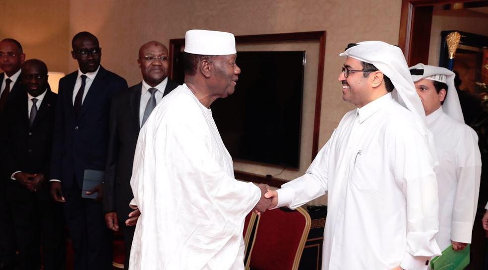 Le président Alassane Ouattara,, averc le ministre qatari des Affaires étrangères, Mohammed bin Saleh Al Sada, le 16 septembre à Doha.