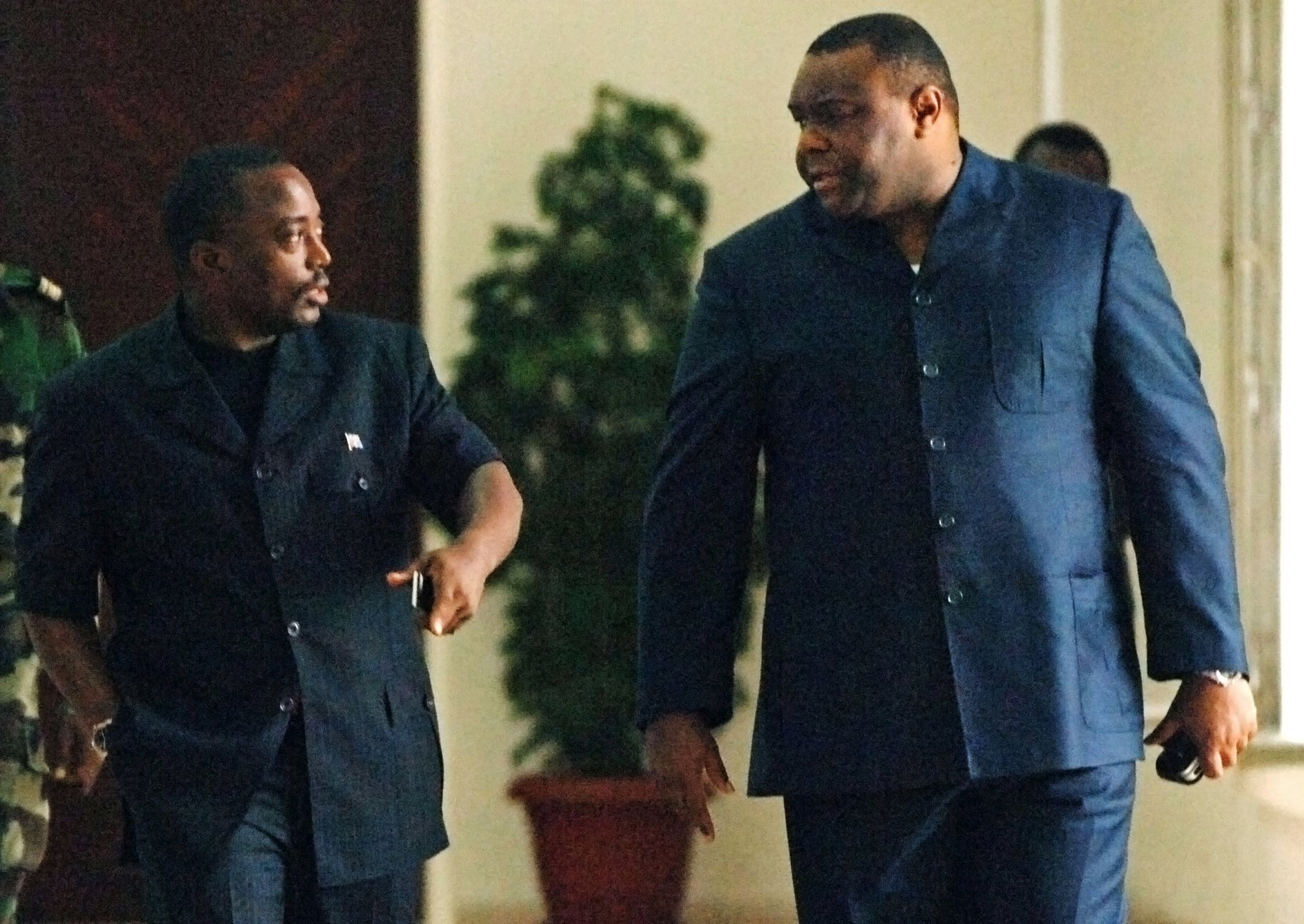 Joseph Kabila (à g.), et Jean-Pierre Bemba, en novembre2006, à Kinshasa.