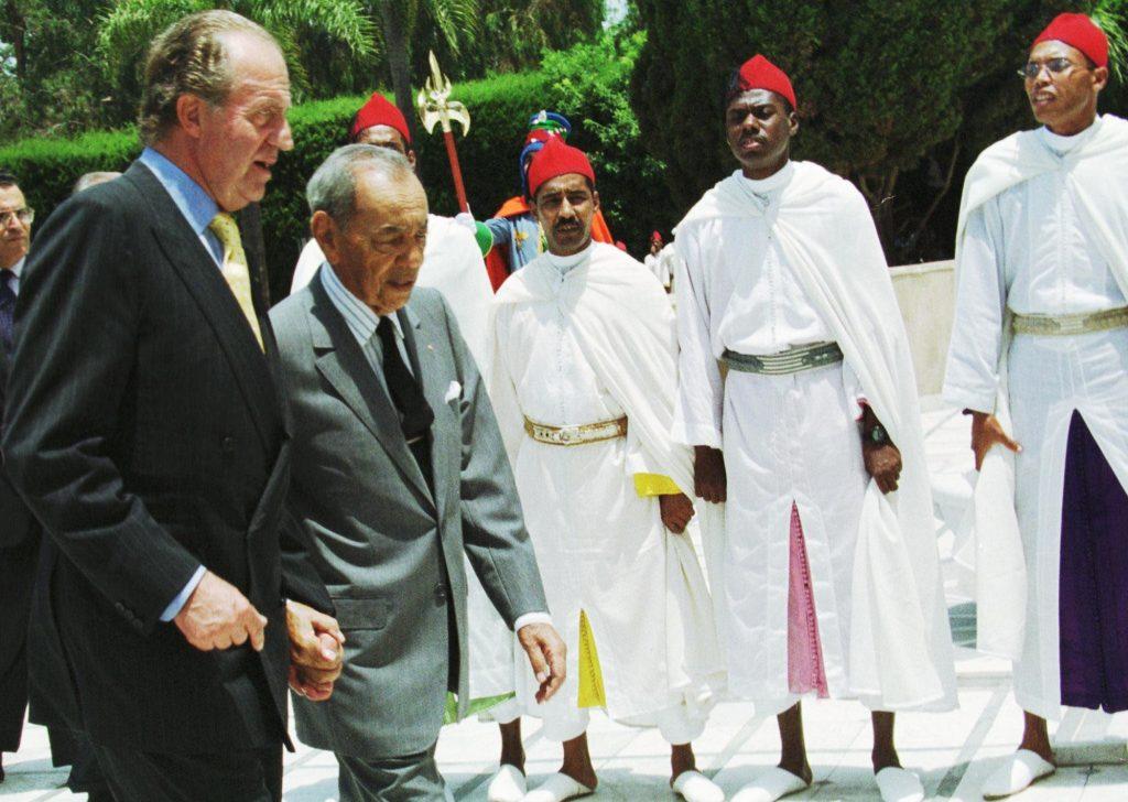 Les rois Hassan II (à dr.) et Juan Carlos, à Rabat, en 1999.