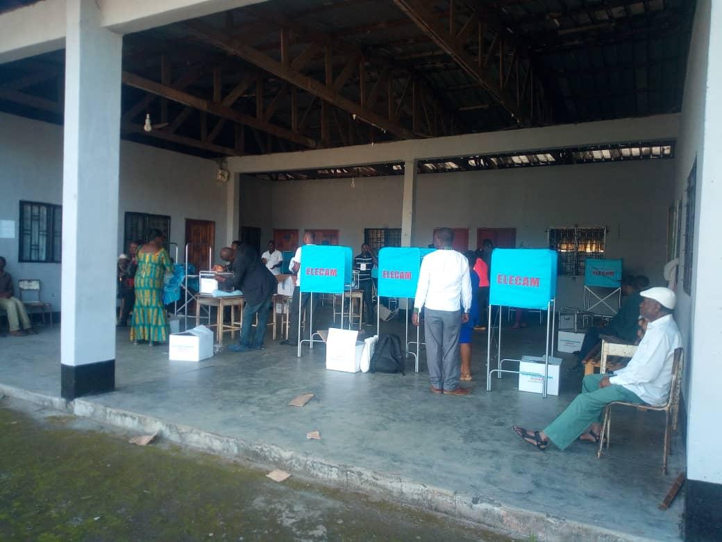 Un bureau de vote à Great Soppo dans la ville de Buea, le 7 octobre 2018, jour de l'élection présidentielle.