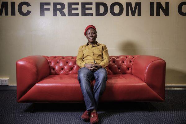 Le leader du parti d'opposition EFF Julius Malema, pendant une interview de l'AFP, le 11 septembre 2018 à Johannesbourg en Afrique du Sud.