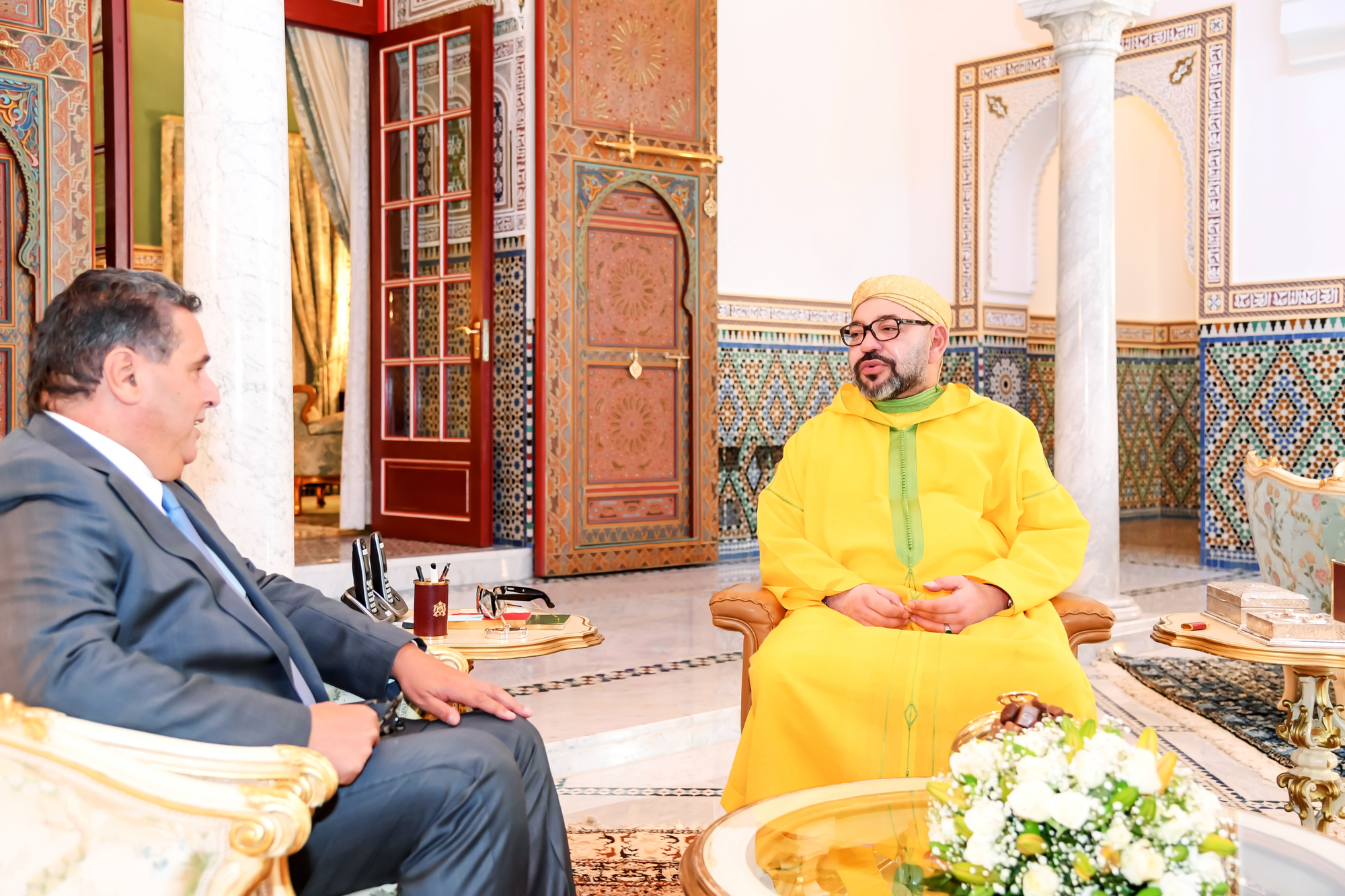 Mohammed VI et Aziz Akhannouch, ministre de l'Agriculture, le 19octobre 2018, au Palais royal de Marrakech (Maroc)