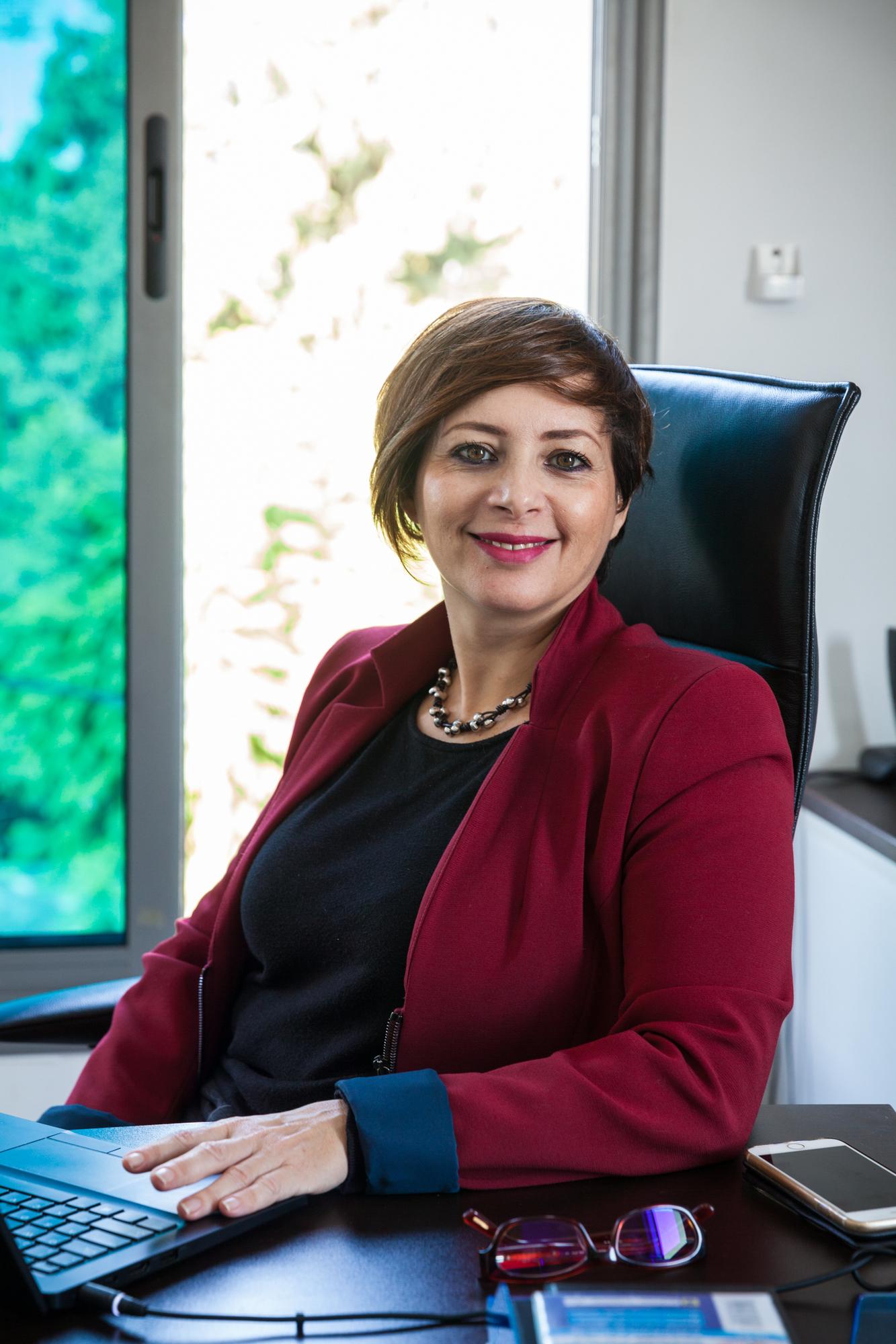 Amna Guellali (HRW) pose dans son bureau, le 7 novembre 2018.