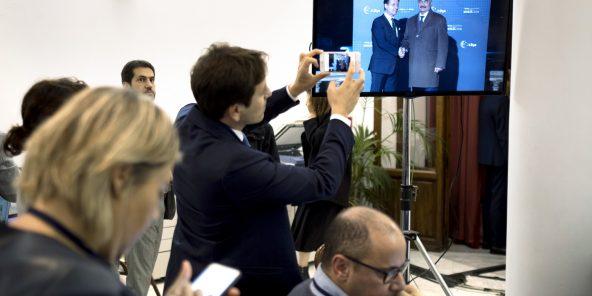 Jusqu'au dernier moment, les autorités italiennes ont douté de la venue de l'homme fort de l'Est libyen.