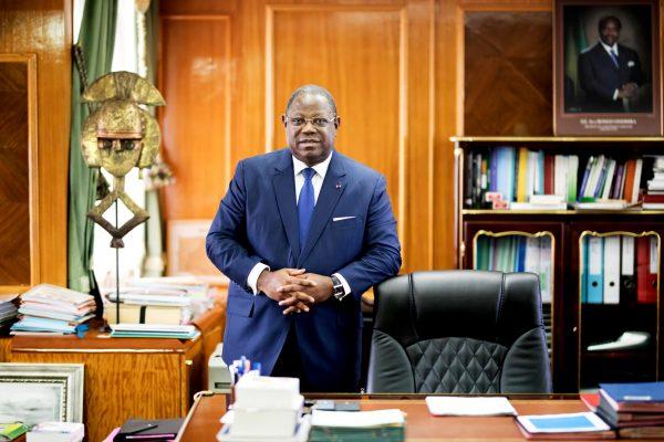 Dans son bureau, à Libreville, le 23mai.