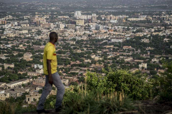 Vue de Bamako depuis le sommet de la colline Lassa.
