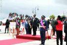 Le président Teodoro Obiang Nguema Mbasogo (au centre, en noir) et son fils (à sa droite), lors du 50eanniversaire de l'indépendance, en octobre.