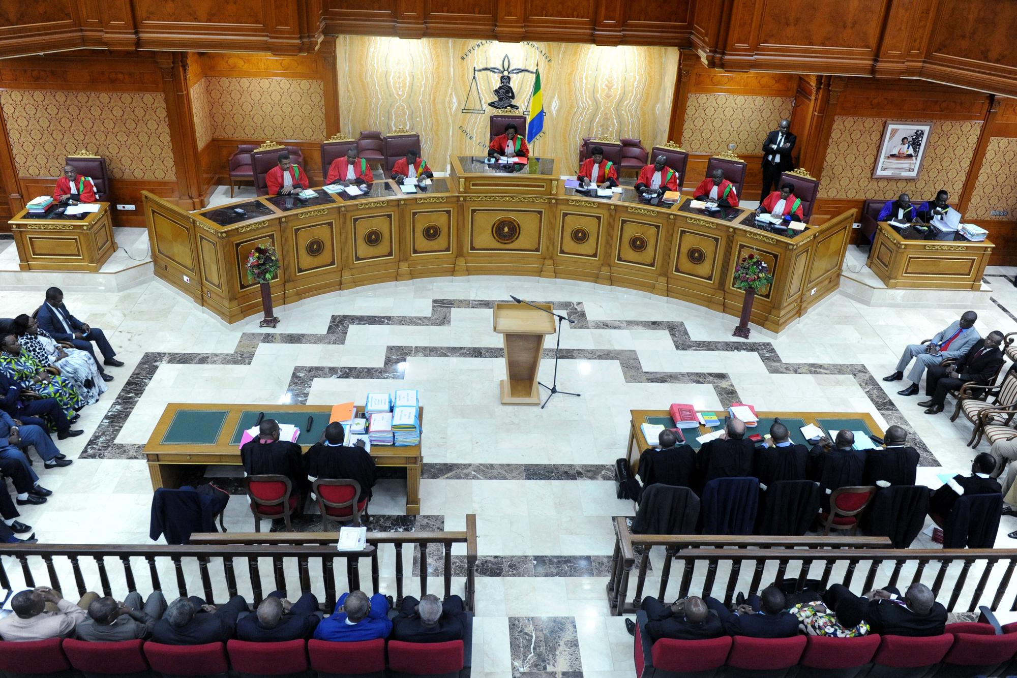 En septembre2016, la Cour constitutionnelle avait validé la réélection d'Ali Bongo Ondimba.