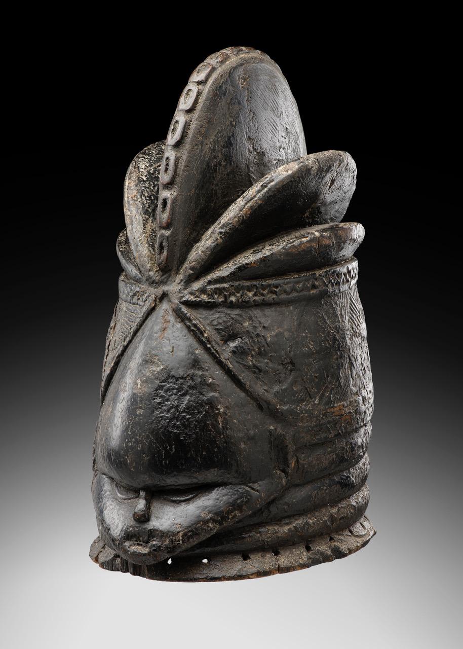 Le masque-heaume Mende originaire de Sierra Leone a été restitué au musée Théodore Monod d'art africain le 5 décembre.