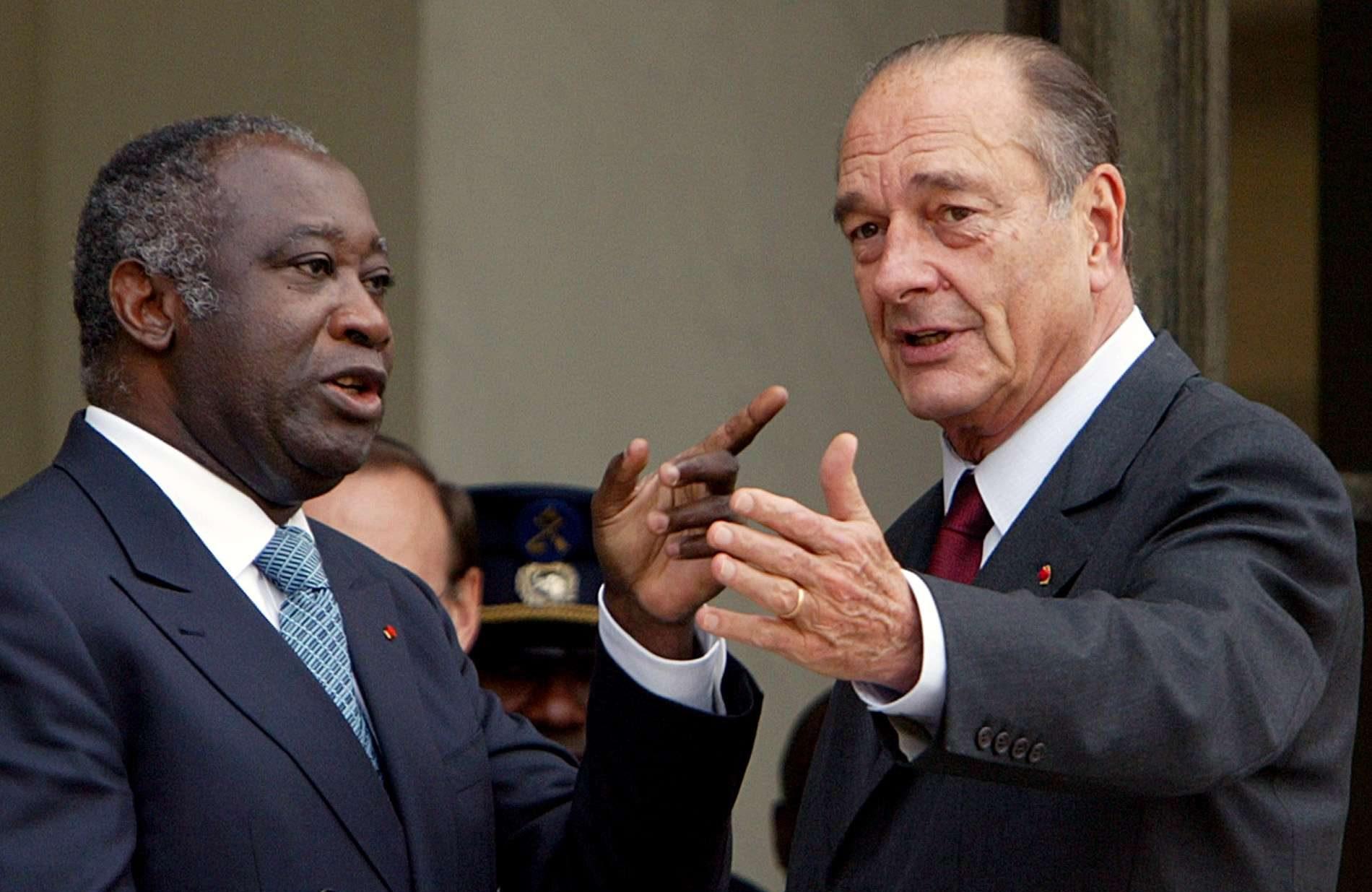 Laurent Gbagbo et Jacques Chirac (à dr.), en février 2004 à Paris (image d'illustration).