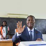 Alassane Ouattara, lors des élections locales, le 13octobre.