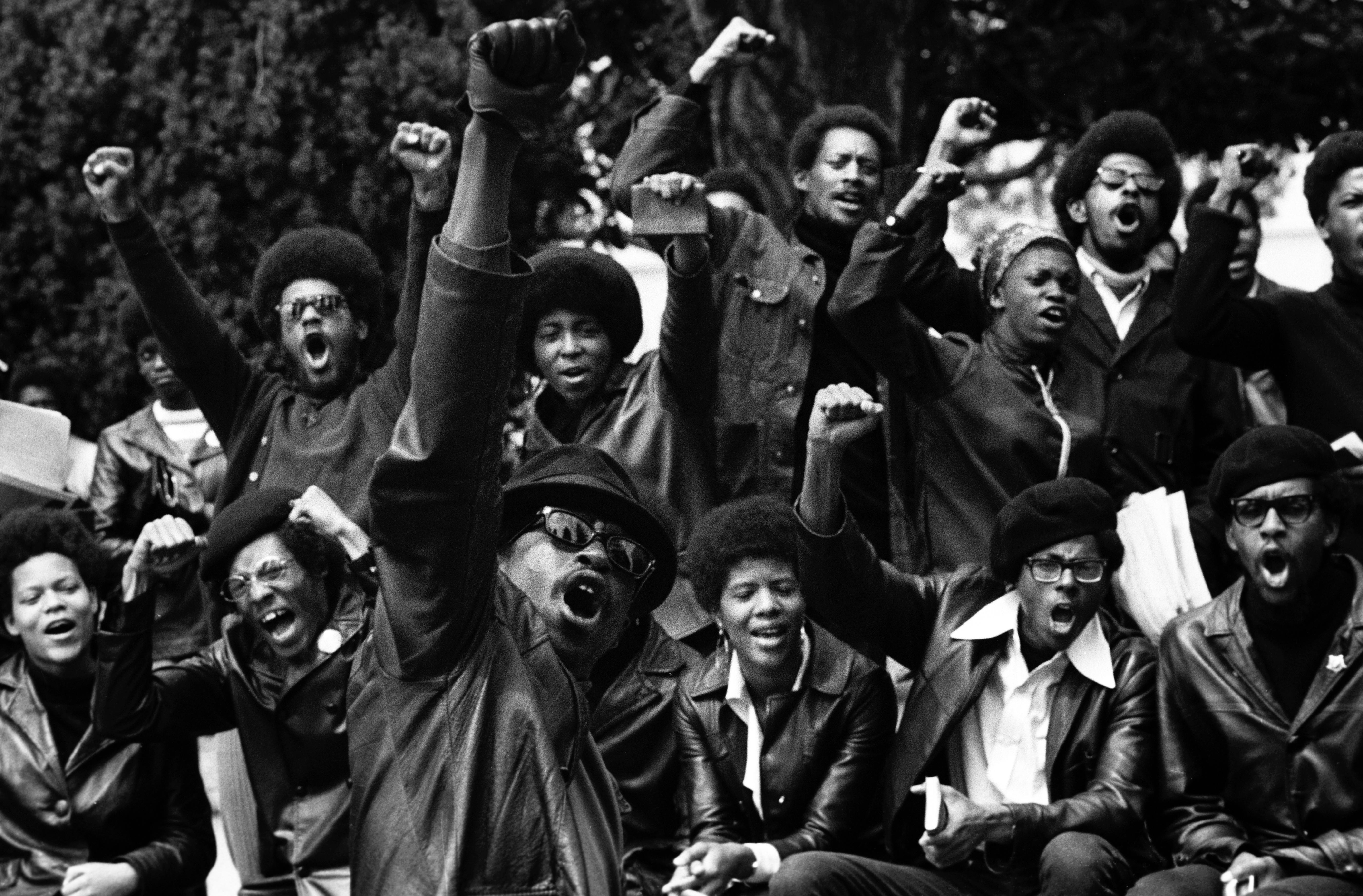 Des membres du Black Panther Party, photographiés par Stephen Shames dans les années 1960.