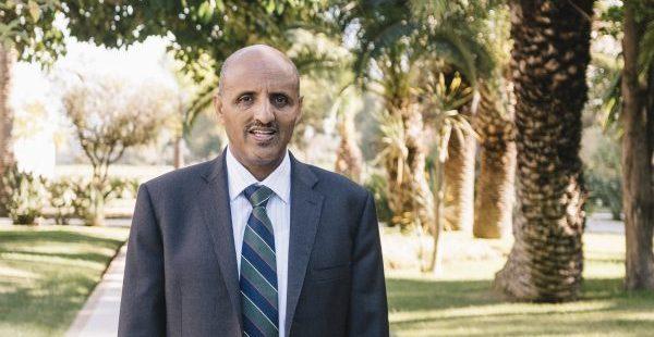 Tewolde GebreMariam, directeur général d'Ethiopian Airlines, répond fin novembre aux questions de JA dans la palmeraie d'un grand hôtel de Rabat lors de la cinquantième assemblée générale de l'Association des compagnies aériennes africaines (Afraa). le 27 novembre 2018.© M'HAMMED KILITO pour JA