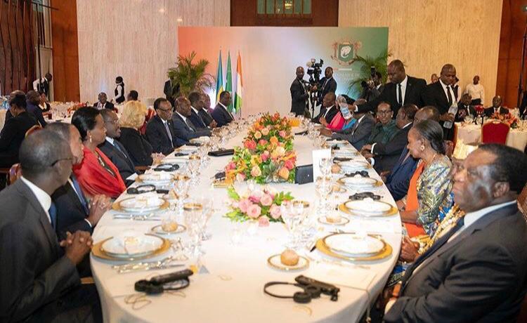 Lors du dîner au palais présidentiel ivoirien auquel ont notamment participéPaul Kagame, Alassane Ouattara et Guilaume Soro.