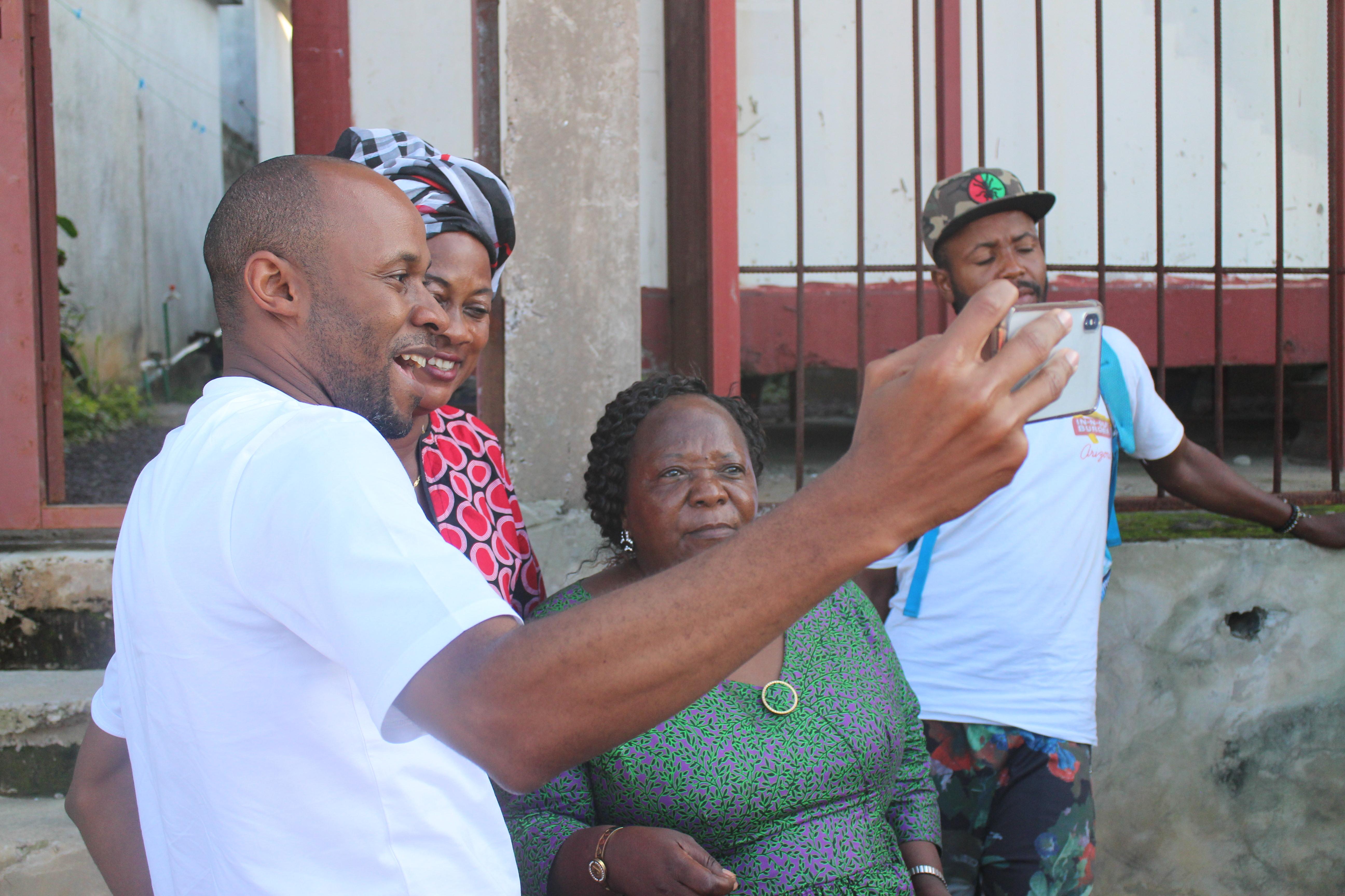 Le député Patrick Muyaya, candidat aux législatives à la Funa, le 9 décembre 2018, à la Cité verte (Kinshasa).
