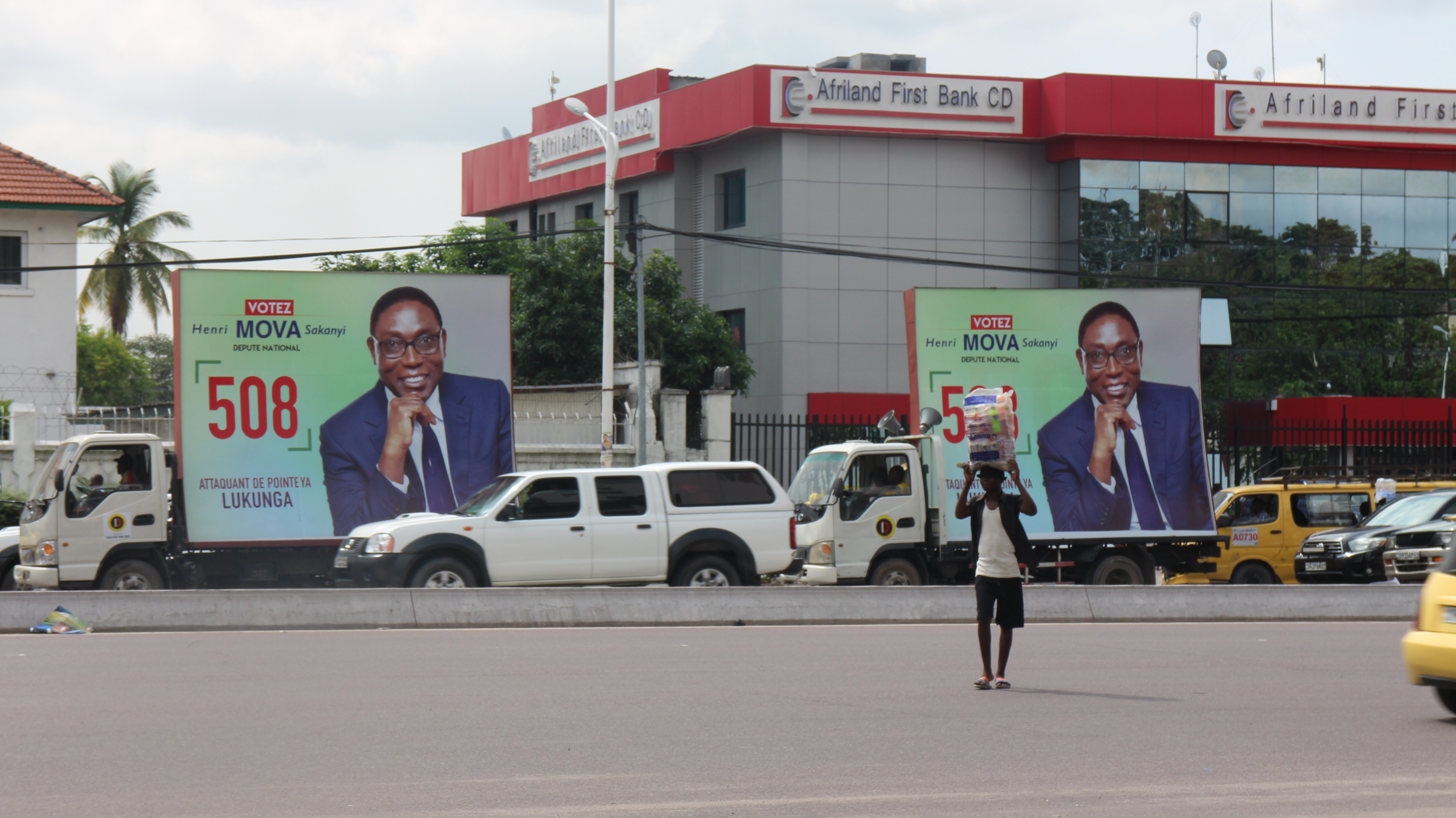 Une caravane de campagne de Henri Mova Sakanyi à Kinshasa, le 8 décembre 2018.