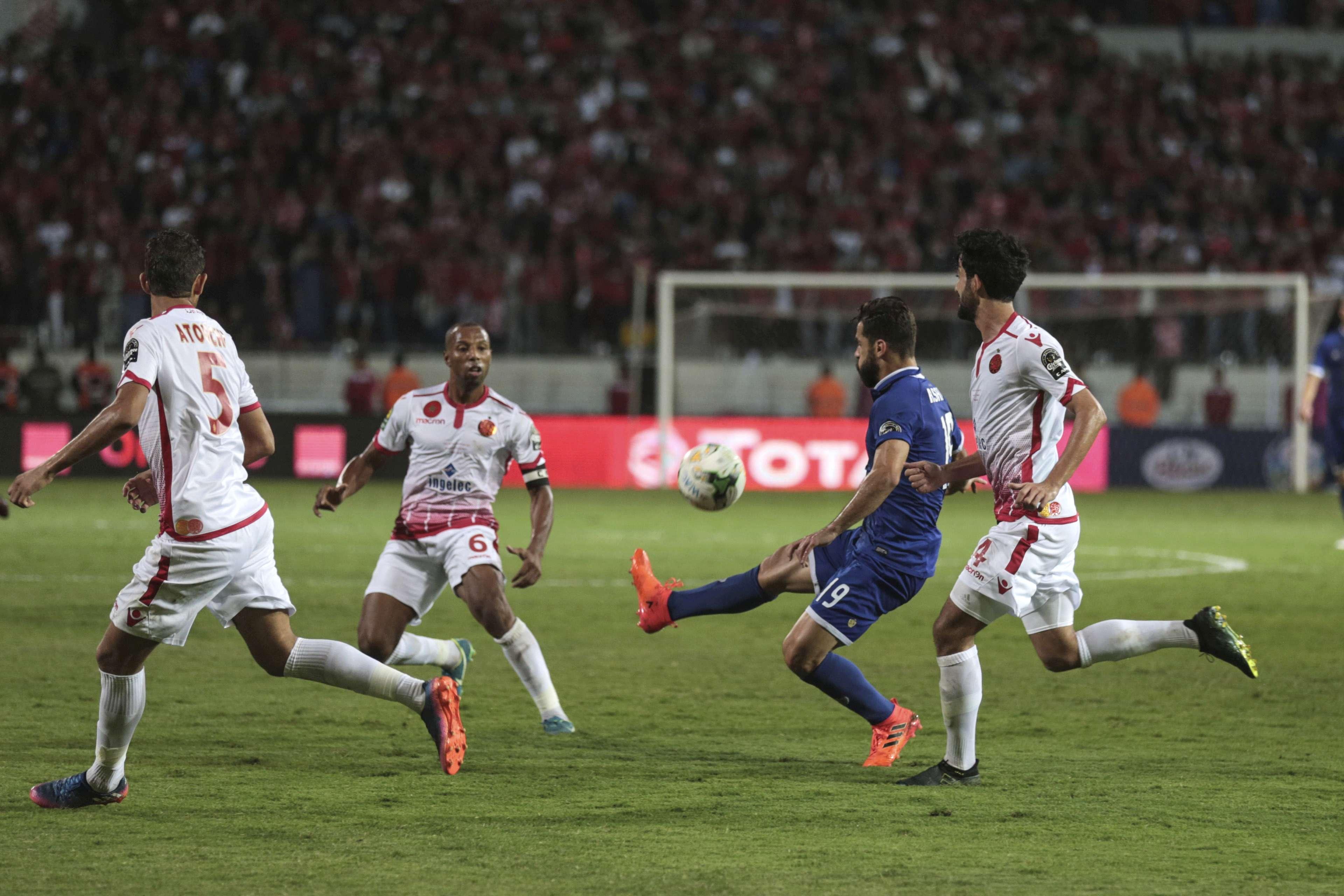 Abdalla Said, du club sportif égyptien Al-Ahly, lors du match retour de la finale de la Ligue des champions de la CAF à Casablanca, au Maroc, le 5 novembre 2017.