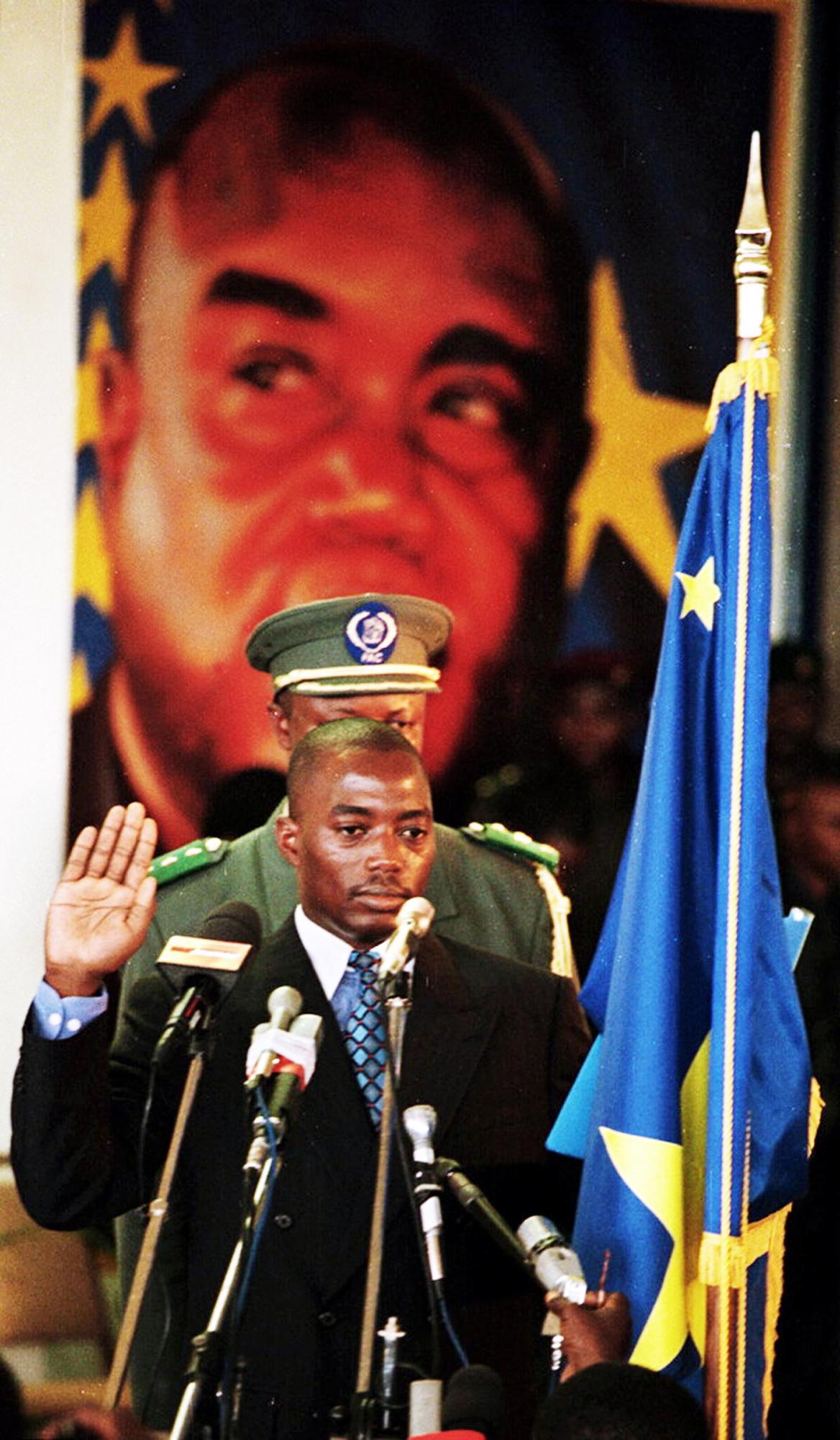 Lors de sa prestation de serment, le 26janvier 2001, à Kinshasa.