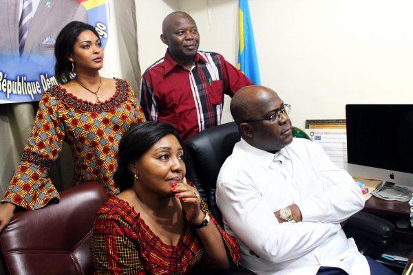 Félix Tshisekedi avec son épouse, Denise Nyakeru, le soir du 9 janvier à l'annonce des résultats de la présidentielle, devant Vital Kamerhe et sa femme Amida.