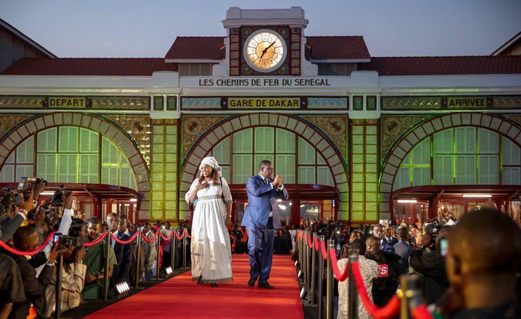 Macky Sall et son épouse Marième Faye, lors de la cérémonie de réception du TER, à la gare de Dakar, le 14 janvier 2019.
