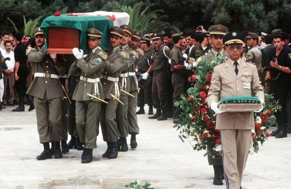 L'enterrement de Mohamed Boudiaf, à Alger, le 1erjuillet 1992.