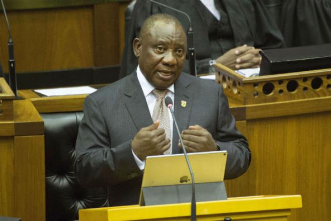 """Élections en Afrique du Sud : Cyril Ramaphosa promet de """"tirer les leçons"""" des législatives"""