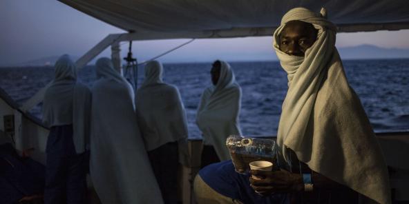 A bord d'un navire de l'ONG Open Arms ayant secouru des migrants au large de la Libye, en août 2018.
