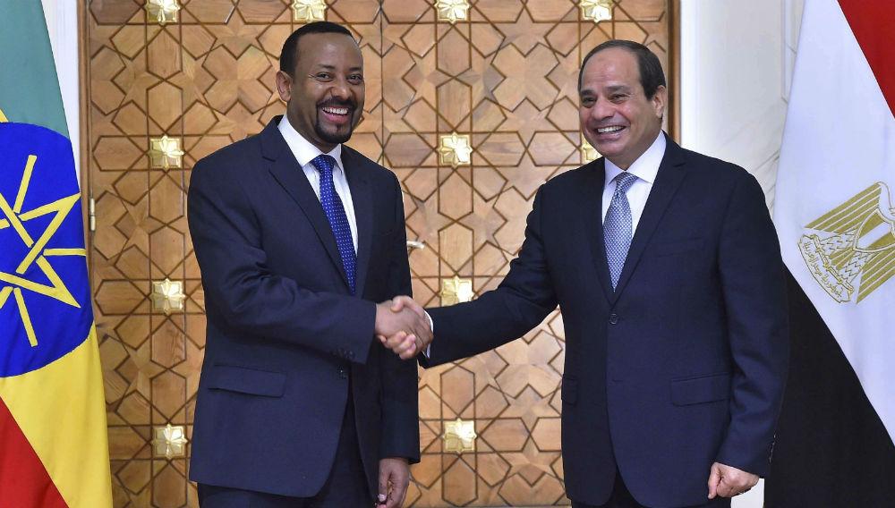 Abiy Ahmed, Premier ministre éthiopien, et Abdelfattah al-Sissi, président égyptien, le 10 juin 2018.