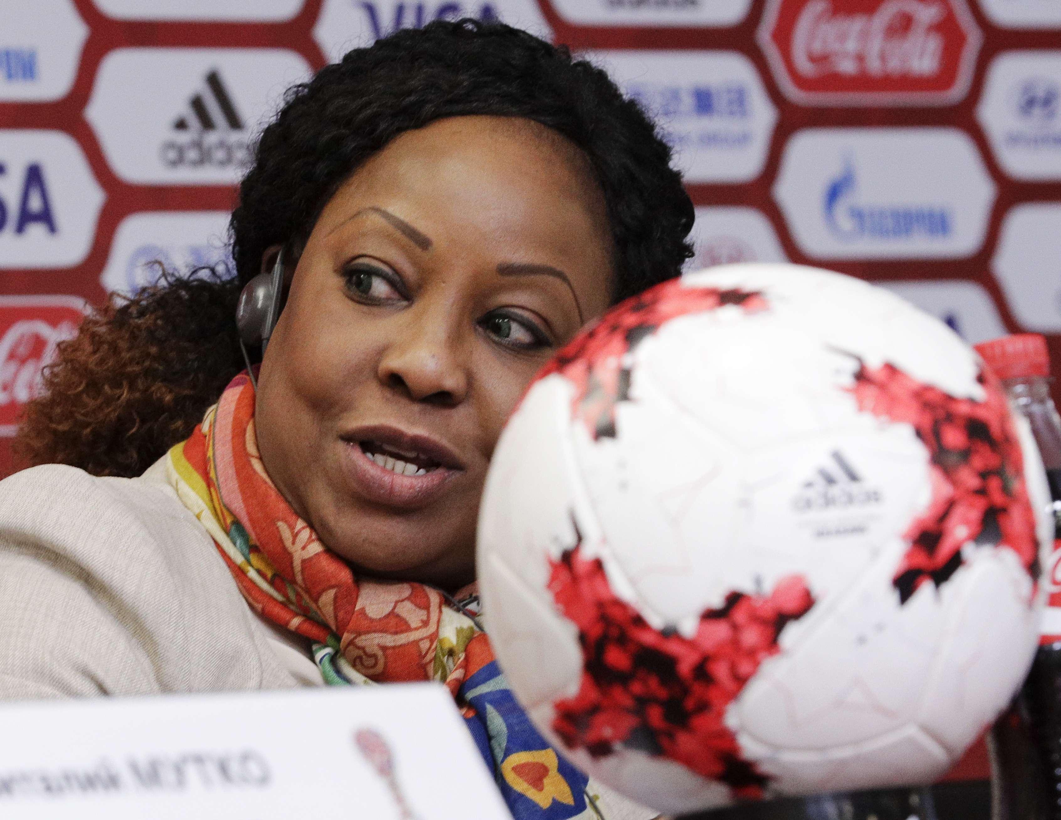 La secrétaire générale de la Fifa, Fatma Samoura, lors d'une conférence de presse, le mardi 25 avril 2017.