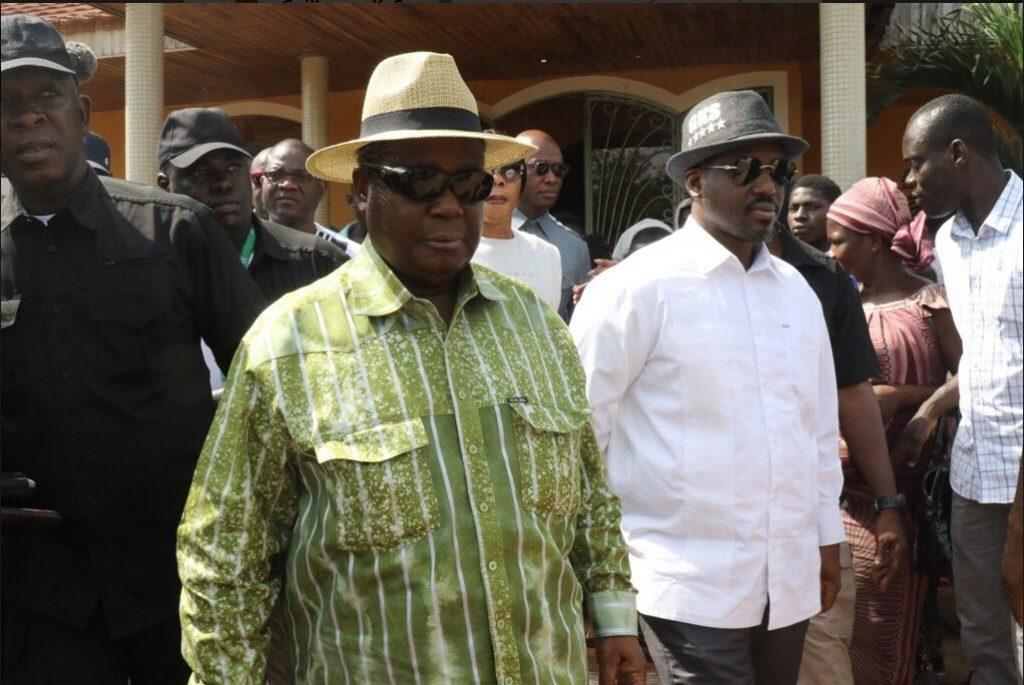 Henri Konan Bédié (à g.) et Guillaume Soro lors de leur rencontre à Daoukro les 23 et 24 février 2019.