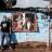 L'artiste français, Louis-Cyprien Rials dans le bidonville de Wakaliga.