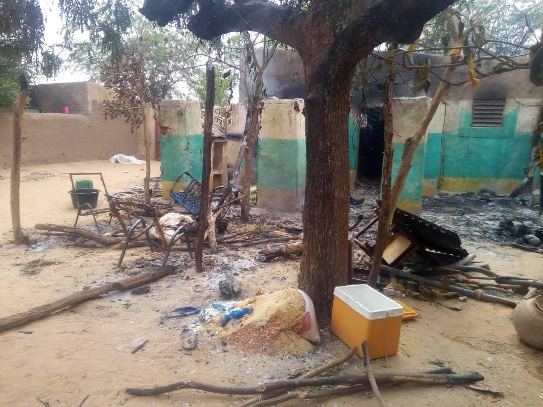L'une des images prises par un membre de Tabital Pulaaku dans le village d'Ogossagou, où au moins 154 civils peuls ont été massacrés dans une attaque, samedi 23 mars 2019.