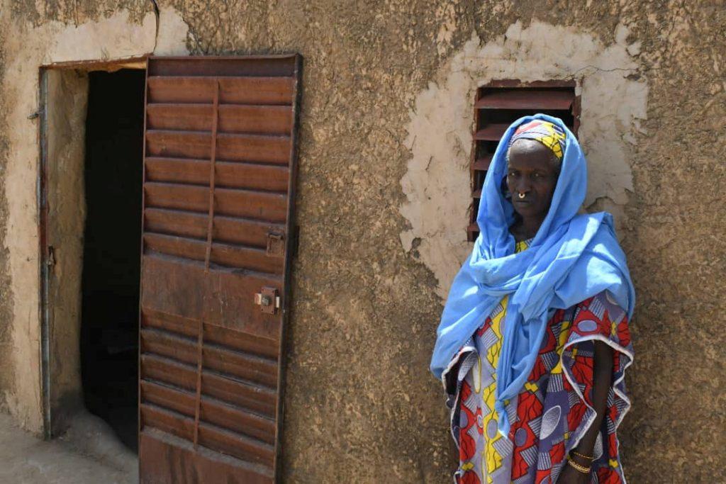 Une habitante d'Ogossagou, lors de la visite d'IBk dans le village, le 25 mars.