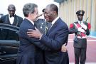 Nicolas Sarkozy, président du Comité de la stratégie internationale d'Accor, et le président ivoirien Alassane Ouattara.