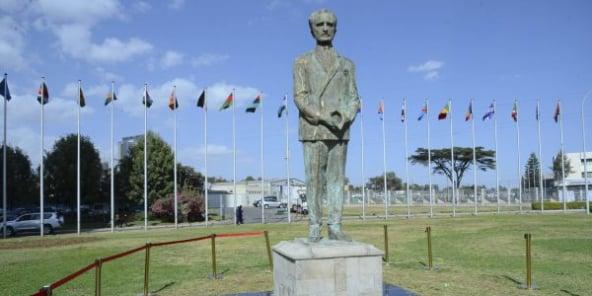 Une statue du dernier empereur éthiopien, Haile Selassie, après son dévoilement devant l'Union africaine à Addis-Abeba, le 10 février 2019.