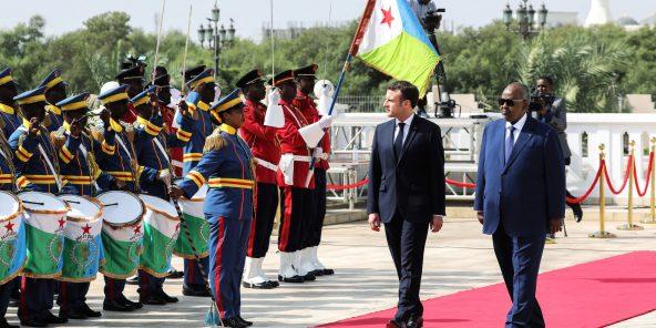 Avec Emmanuel Macron, en visite officielle à Djibouti, le 12mars.