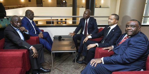 Les ténors de l'opposition congolaise, le 12septembre dernier, à Bruxelles. De g. à dr.: Vital Kamerhe, Félix Tshisekedi, Adolphe Muzito, Moïse Katumbi, et Jean-Pierre Bemba.