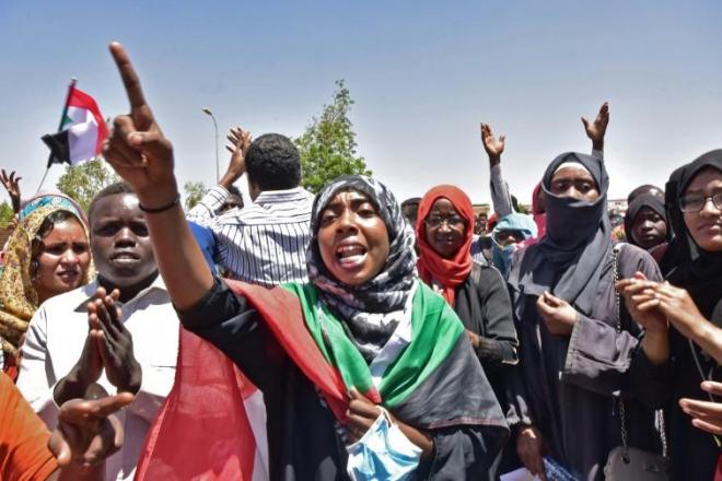 Soudan : l'Union africaine menace le pays de suspension si le Conseil militaire reste au pouvoir