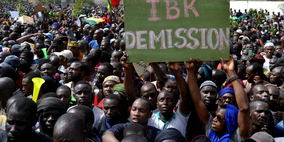 Lors d'une manifestation à Bamako contre le gouvernement et la président malien, le 5 avril 2019.